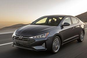 Hyundai Elantra 2019 chốt giá bán rẻ 'giật mình'