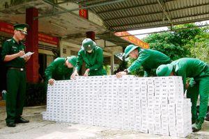 Bắt vụ vận chuyển 8.500 gói thuốc lá ngoại nhập lậu