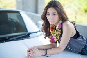 Mazda Miata lu mờ trước vẻ đẹp 'khó cưỡng' của hotgirl 'Bạc hà'