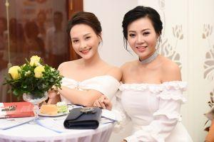 Bảo Thanh xinh đẹp dự sự kiện cùng Thanh Hương