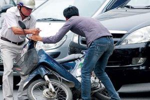 'Mỏ vàng' bảo hiểm xe cộ: Doanh nghiệp đề xuất... tăng phí