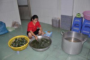 Phạt cơ sở cung cấp suất ăn công nhân mất vệ sinh 66 triệu đồng