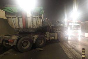 2 xe tải tông nhau trong hầm Hải Vân, 3 người bị thương