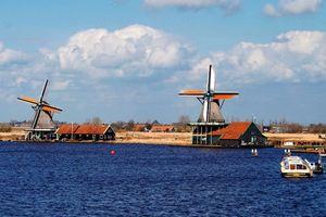 Khám phá biểu tượng của Hà Lan tại ngôi làng cối xay gió Zaanse Schans