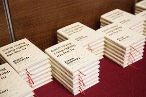 Diễn đàn Kinh tế thế giới phát hành phiên bản tiếng Việt của cuốn sách 'Cuộc Cách mạng Công nghiệp lần thứ tư'