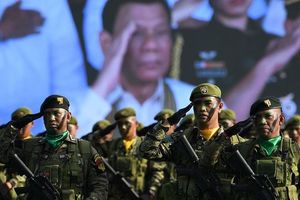 Ông Duterte thách thành phần quân đội phản đối ông dám nổi dậy