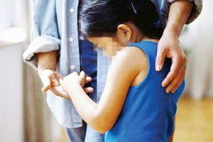 Lĩnh án 15 năm vì trót 'yêu' bé gái 12 tuổi