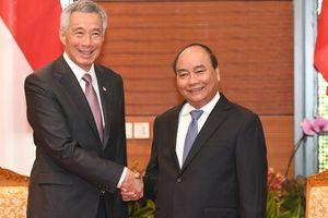 Thủ tướng Nguyễn Xuân Phúc tiếp Thủ tướng Singapore Lý Hiển Long