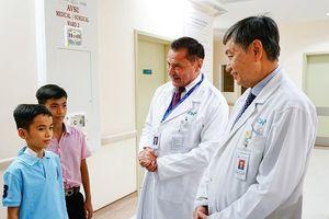 Phẫu thuật cắt u gan thành công ở bệnh nhi không truyền máu hiếm gặp