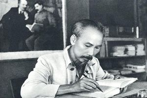 Ngời sáng tấm gương tự học của Hồ Chí Minh