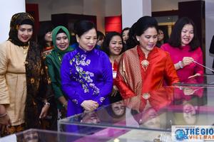Phu nhân Việt Nam và Indonesia thăm Bảo tàng Phụ nữ