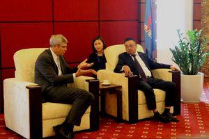 Petrovietnam tăng cường hợp tác với HSBC