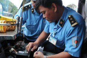 Hà Nội thu hồi gần 150 phù hiệu xe kinh doanh vận tải