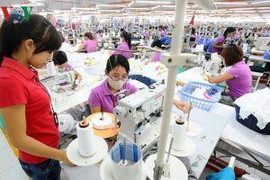 Xuất khẩu dệt may đạt gần 10 tỷ USD nhưng chưa hết khó khăn