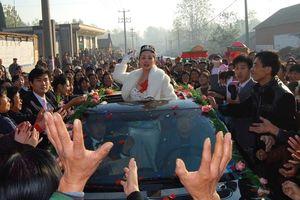 Ảnh cưới ở nông thôn của cặp sao Trung Quốc bất ngờ được chú ý