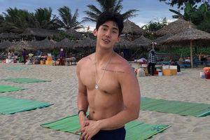 Hot boy Hàn Quốc ghé thăm Đà Nẵng cao 1,84 m, thân hình chuẩn 6 múi