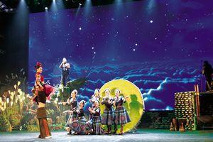 Tour tham quan Nhà hát Lớn Hà Nội: Tìm sắc màu mới để hút khách