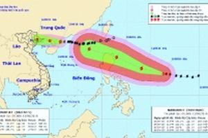 Siêu bão Mangkhut giật hơn cấp 17 hướng vào Biển Đông