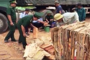 Giấu hơn 27 m3 gỗ lậu trong giấy phế liệu nhập khẩu