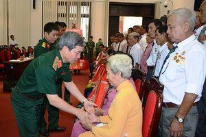 Gặp mặt Đoàn đại biểu người có công tỉnh Trà Vinh