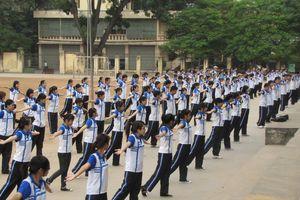 100% giáo viên thể dục phải mặc trang phục thể thao khi dạy thực hành