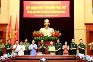 Bộ Tư lệnh BĐBP tiếp nhận phim về Anh hùng - liệt sĩ Trần Văn Thọ