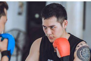 Hot boy Đăng Khoa 'bầm dập' trên sàn tập võ chuẩn bị vào vai 'giang hồ'
