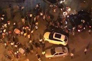 Lao xe vào đám đông tại quảng trường đông đúc, 46 người thương vong