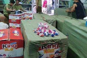 Phát hiện kho hàng chứa 1,5 tấn 'kẹo trứng' cho trẻ em không rõ nguồn gốc