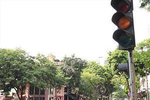 Phạt vượt đèn vàng: Nhiều chủ phương tiện khiếu kiện