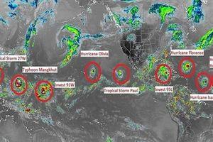 Siêu bão Mangkhut tiến nhanh vào Biển Đông