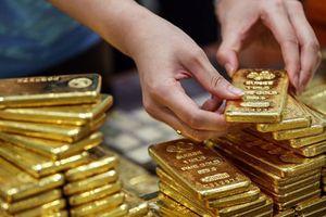Đồng USD giảm nhẹ, giá vàng quay đầu đi lên