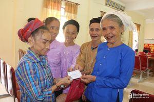 Cấp lại thẻ BHYT cho hàng trăm người dân bị ảnh hưởng lũ lụt