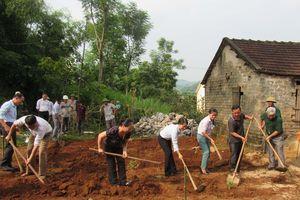 Hỗ trợ xây dựng nhà ấm tình thương cho phụ nữ nghèo dân tộc Thổ ở Nghĩa Đàn
