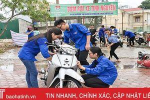 ĐVTN Hà Tĩnh bán ve chai, rửa xe gây quỹ từ thiện
