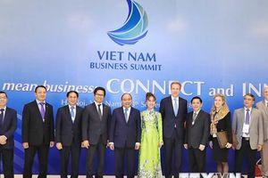 Những hình ảnh về Hội nghị Thượng đỉnh Kinh doanh Việt Nam