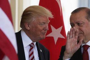 Syria: Thổ Nhĩ Kỳ bất ngờ về phe Mỹ, cấp vũ khí 'tươi' cho phiến quân