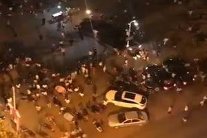Lao xe vào đám đông ở Trung Quốc khiến ít nhất 9 người chết