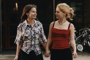 'Show me love' (1998) - Dũng cảm trước tình yêu, chân thành với chính mình