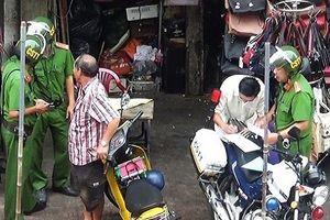 TP.HCM: Tạm đình chỉ 7 CSTT 'làm luật' ở chợ Bà Chiểu
