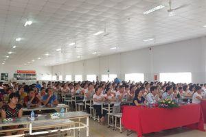 Tuyên truyền chính sách BHXH cho hàng trăm công nhân lao động ở các nhà trọ