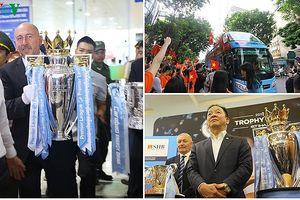 Người dân Hà Nội đổ ra đường chiêm ngưỡng cúp bạc Premier League