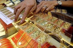 Giá vàng thế giới tăng chóng mặt, trong nước vẫn 'bình thản'