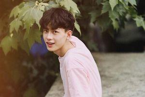 Hot boy Trung Quốc 19 tuổi, giống nhiều diễn viên nổi tiếng