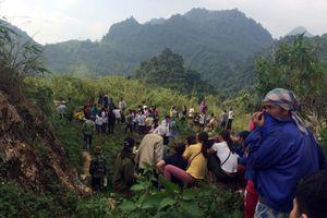Phát hiện thi thể phân hủy dưới vực đèo Thung Khe