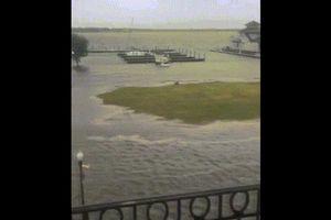 Cận cảnh đường phố Mỹ 'ngập như sông'vì siêu bão Florence