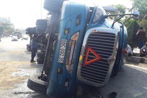 Xe tải 'càn' Quốc lộ 91, 10 người đi xe máy bị thương
