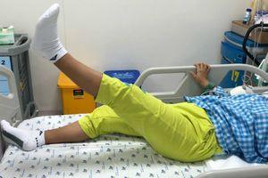 Thiếu nữ đột nhiên yếu liệt sau đợt sốt, đau họng