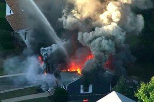 'Cơn bão lửa': Gần 70 vụ cháy nổ cùng lúc làm rung chuyển một tiểu bang tại Mỹ