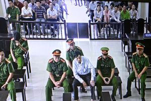 Y án 13 năm tù với Nguyễn Văn Túc về tội hoạt động lật đổ chính quyền